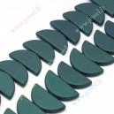 Plastikinis - akrilinis karoliukas , 38x18x5 mm. , žaliai smaragdinis , 1 vnt.