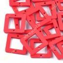 Mediniai karoliukai 23x23x3 mm., raudona sp., 10 vnt.