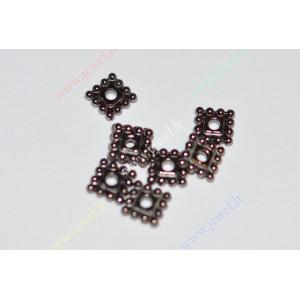 http://www.jewel.lt/9283-thickbox/intarpas-juodintos-spalvos7x7x2-mm-18-vnt.jpg