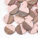 Akrilinis su medžiu pakabukas , rožinė sp, 28x4 mm., 1 vnt.